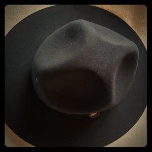 Stratton hat